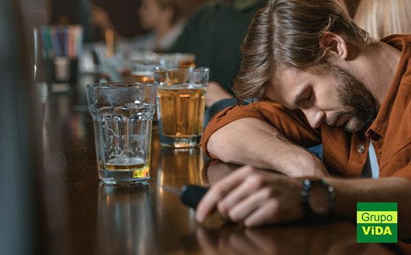 Alcoolismo - Internação e Tratamento em Águas de Lindóia - SP