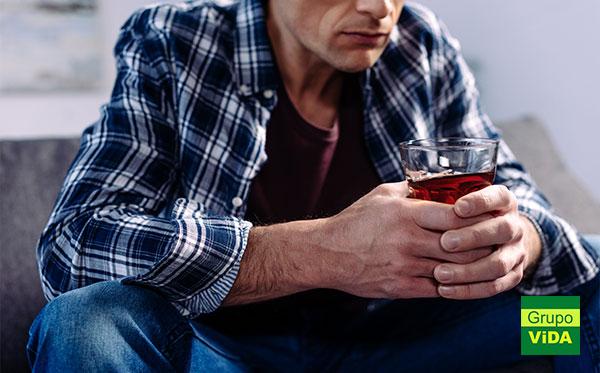 Alcoólatra de Águas de Lindóia - SP tratamento em clinica de recuperação