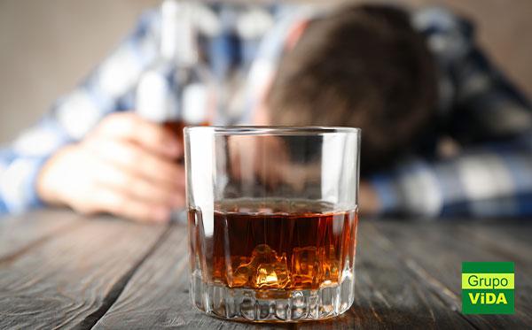 Como um alcoólatra se comporta - Clínica de Reabilitação em Águas de Santa Bárbara - SP